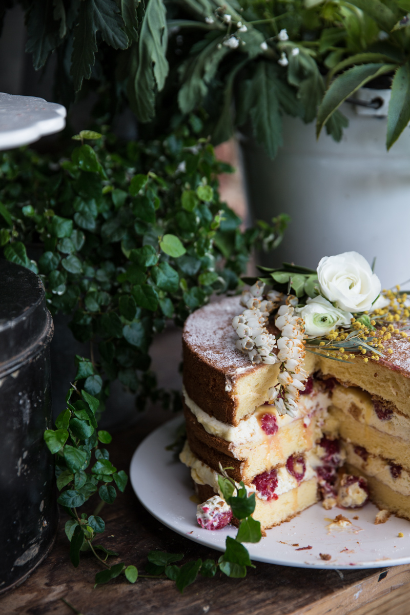 覆盆子和柚子凝乳裸体蛋糕-煮共和/照片,Sneh RoyWilliam Hill娱乐