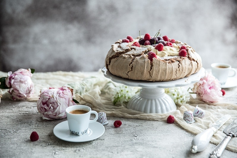 Coffee And Cream Pavlova - Cook Republic