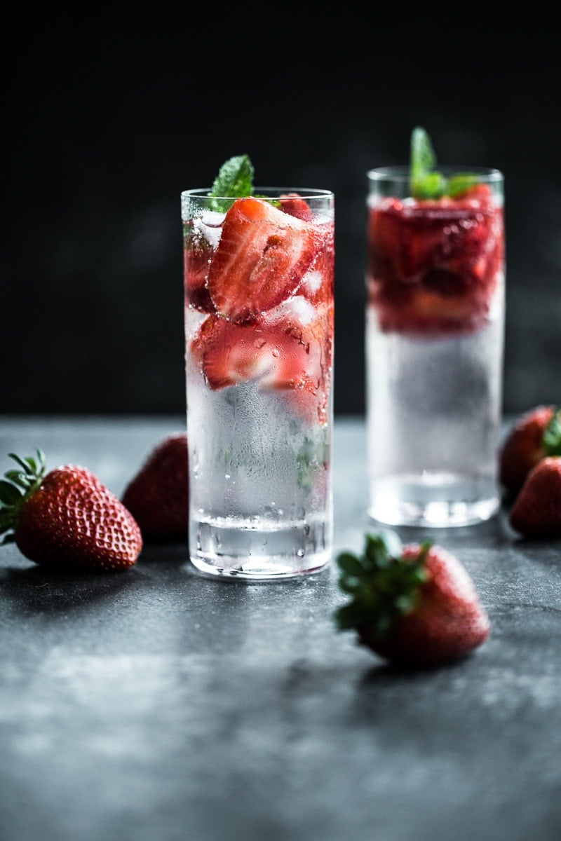 Strawberry Gin Fizz - Cook Republic #cocktailrecipe