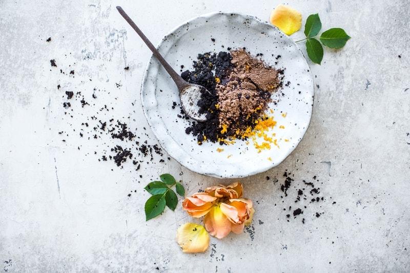 咖啡巧克力脸部波兰和咖啡椰子身体擦洗-烹饪共和国纯素美容威廉希尔官网