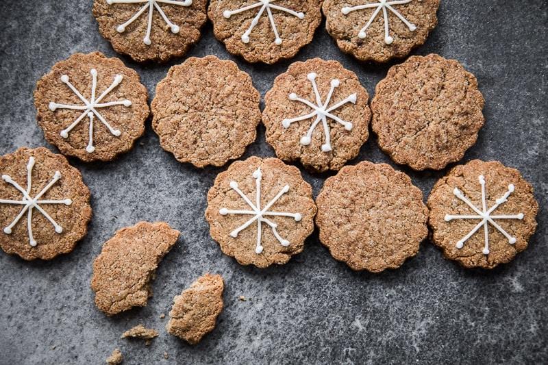 素食姜饼塔希尼饼干-烹饪共和国\素食烘焙面筋\食品摄影William Hill娱乐