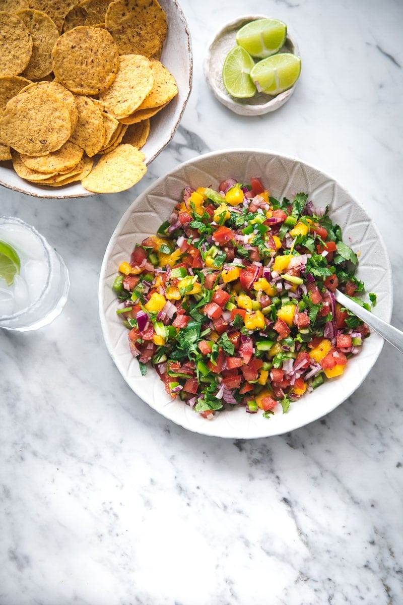 Mango Pico De Gallo - Cook Republic #picodegallo #mexicansalsa #foodphotography #summerrecipe #vegansalad